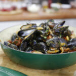 Garlic and Ginger Steamed Mussels Recipe